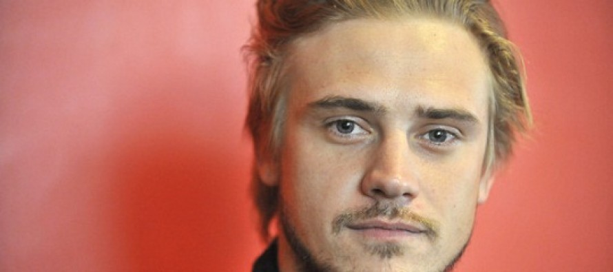 Very Good Girls | Boyd Holbrook se junta a Dakota Fanning e Elizabeth Olsen no elenco do filme