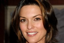 You Are Here | Alana de la Garza se junta a Owen Wilson e Zach Galifianakis no elenco da comédia romântica