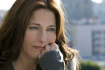 Can a Song Save Your Life? | filme dirigido por John Carney tem confirmado o Catherine Keener no elenco