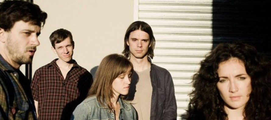 Vigilante lança novo álbum do Dirty Projectors