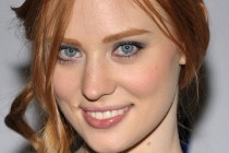 Are We Officially Dating? | Deborah Ann Woll se junta a Zac Efron no elenco da comédia romântica
