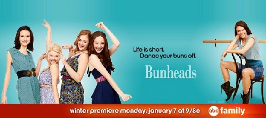 Bunheads | Vídeos promocionais e fotos inéditas para o primeiro episódio do ano – 1.11 – You Wanna See Something?