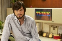 Jobs | Ashton Kutcher e Josh Gad conversam sobre futuro da Apple no primeiro clipe do filme