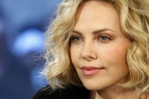 Ladies Night | Charlize Theron pode estrelar comédia dirigida por Fred Savage