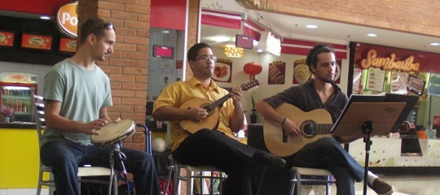"Choro da Alvorada se apresenta no ""Menu Musical"" no Shopping Jaraguá"