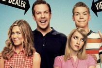 WE'RE THE MILLERS | Comédia com Jennifer Aniston, Emma Roberts e Ed Helms ganha trailers e seu primeiro pôster!
