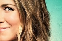 Jennifer Aniston estampa pôster de personagem inédito para comédia WE'RE THE MILLERS