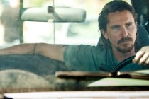 Comerciais para TV revelam cenas inéditas de OUT OF THE FURNACE, drama com Christian Bale e Casey Affleck