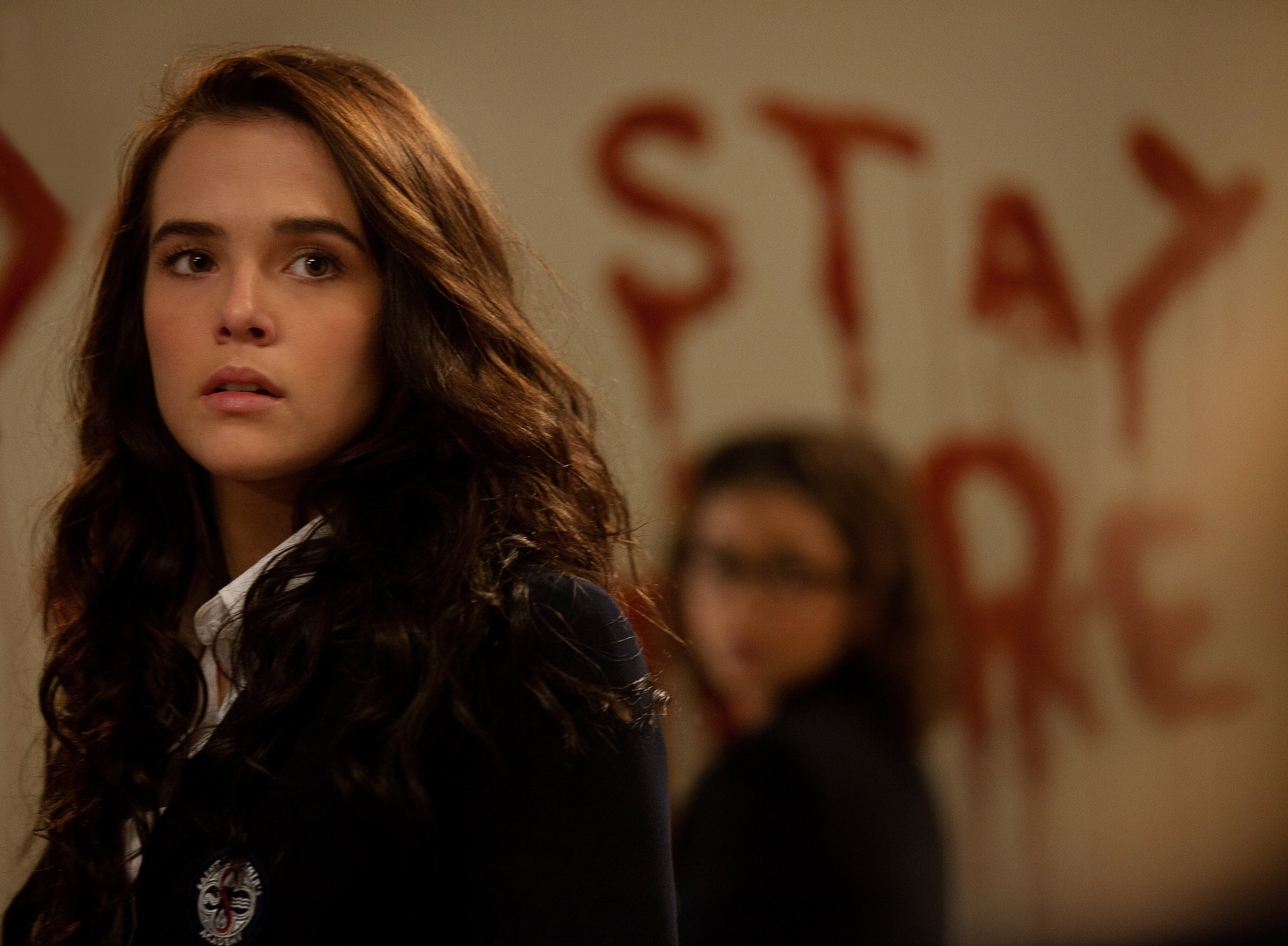 Vampire-Academy-Blood-Sisters-Official-Poster-Banner-PROMO-PHOTOS-15AGOSTO2013-01