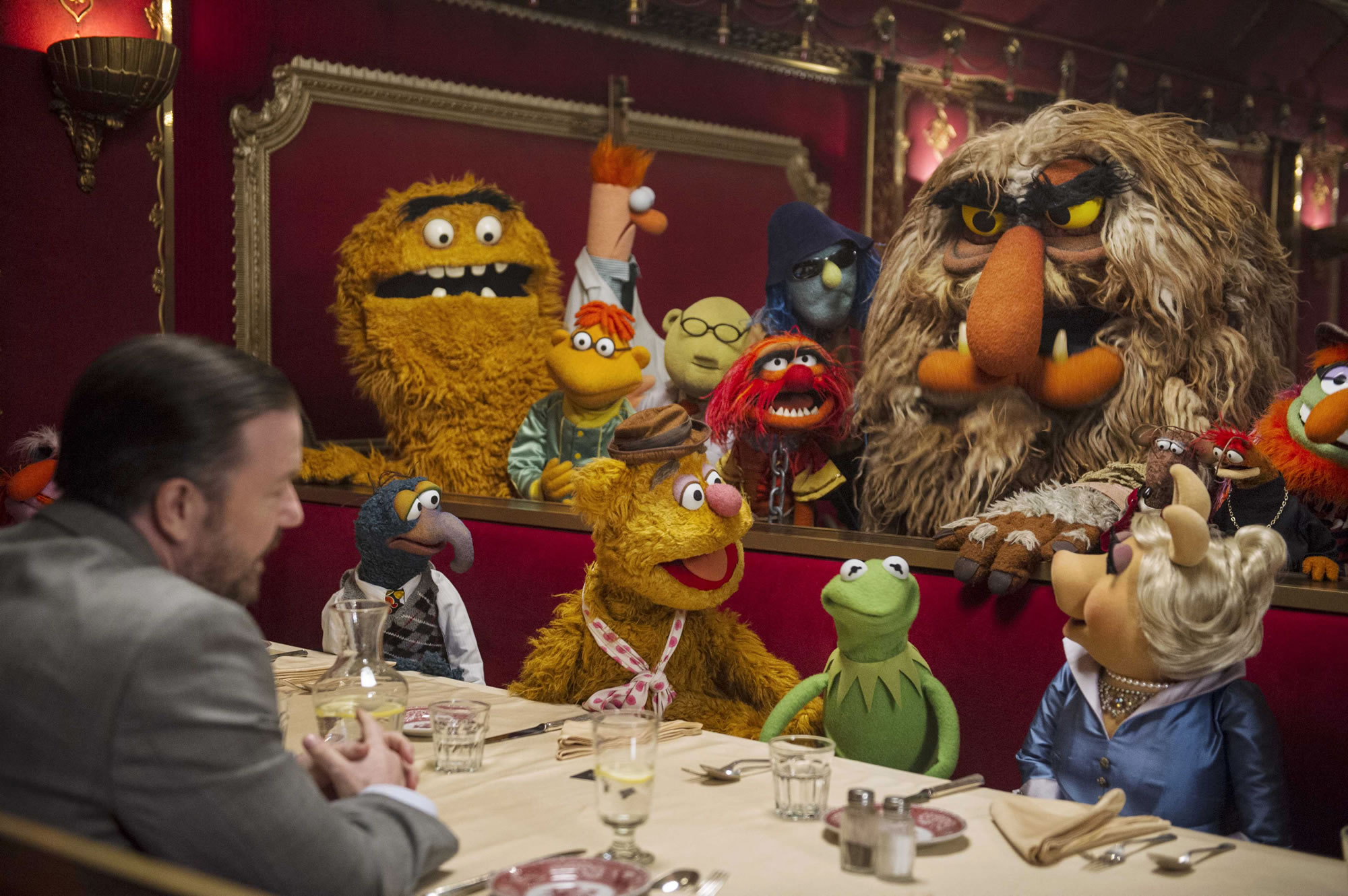 MUPPETS MOST WANTED-Official Poster Banner PROMO PHOTOS-21NOVEMBRO2013-03