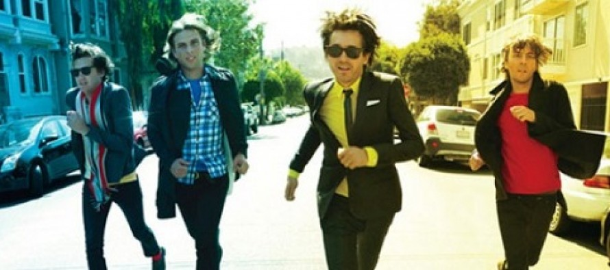 Videoclipe | Phoenix – Trying To Be Cool