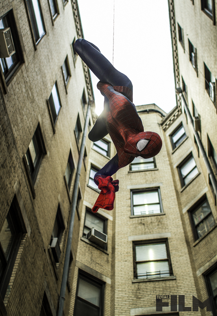 THE-AMAZING-SPIDER-MAN-2-Official-Poster-Banner-PROMO-PHOTOS-17JANEIRO2014-01