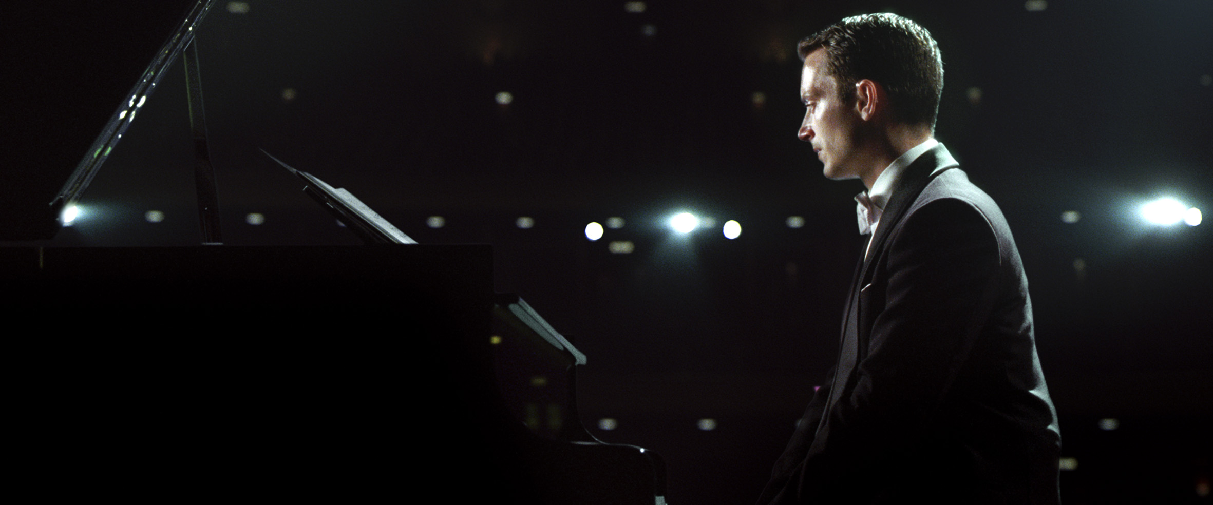 Grand Piano-Official Poster Banner PHOTOS-19MARCO2014-03