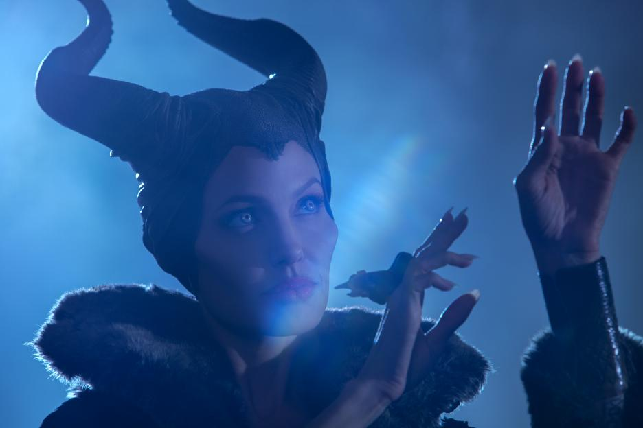 MALEFICENT-Official Poster Banner PROMO PHOTOS-06MARCO2014-02