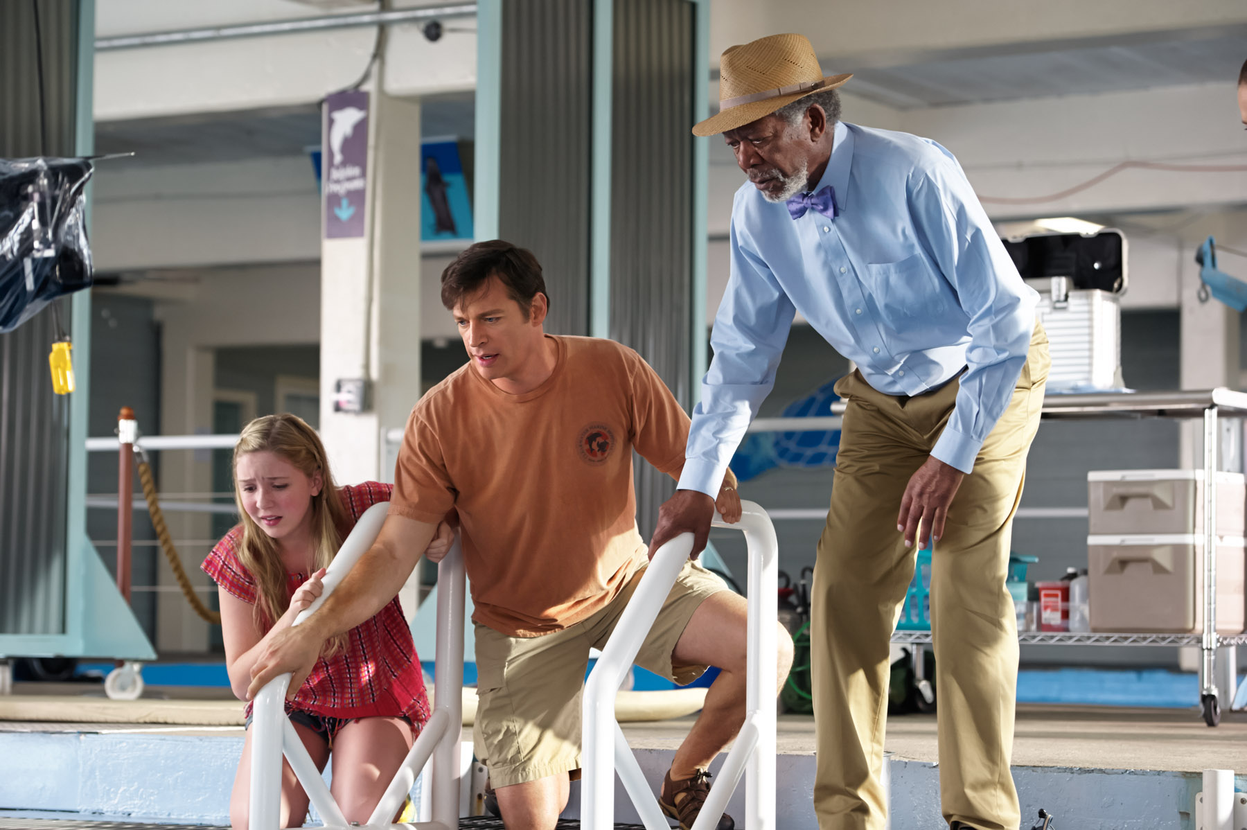 DOLPHIN TALE 2-Official Poster Banner PROMO-10ABRIL2014-02