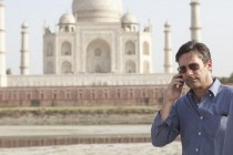 MILLION DOLLAR ARM, com Jon Hamm e Bill Paxton ganha COMERCIAIS e CENA (CLIPE)