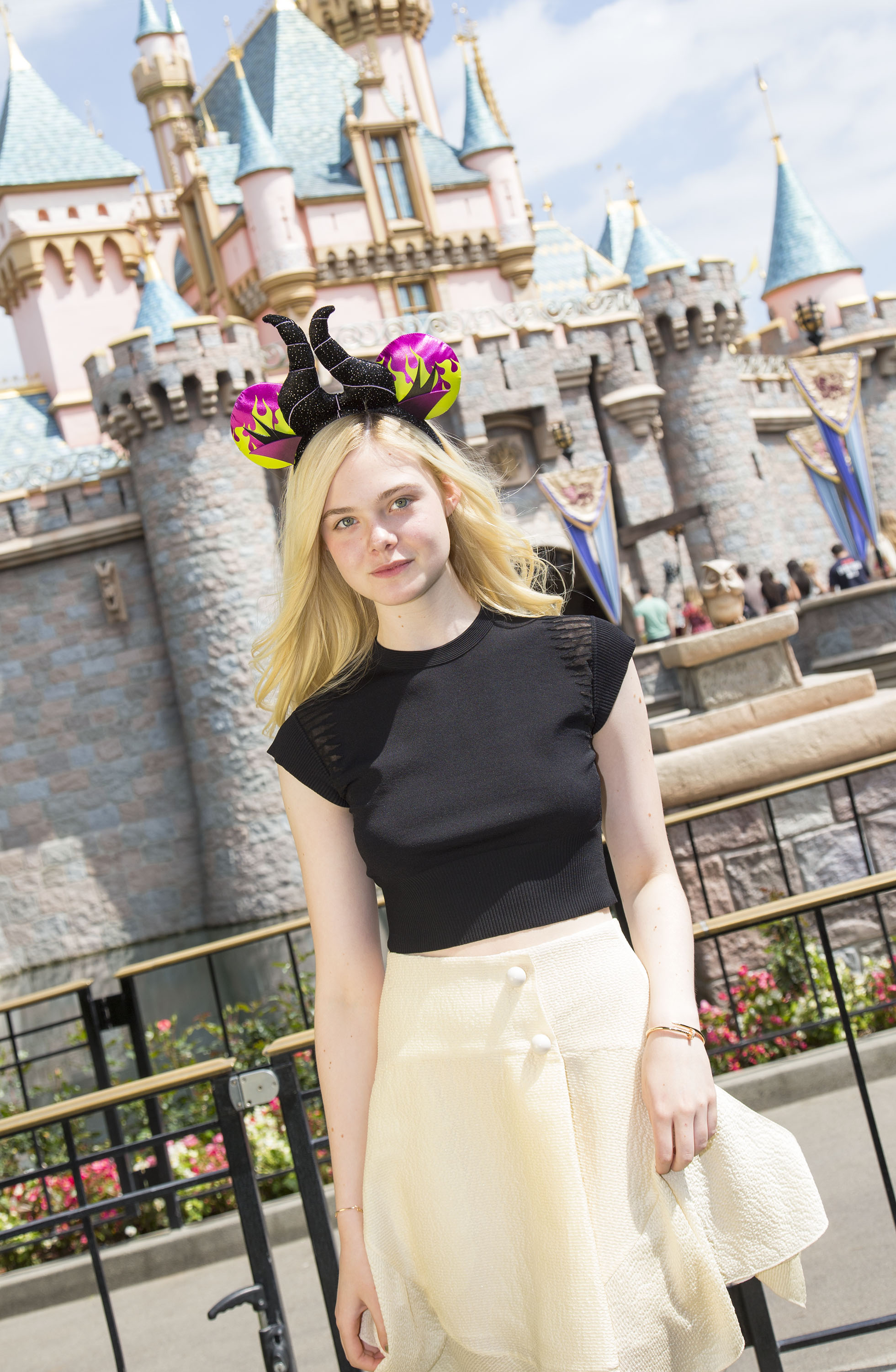 Maleficent-Elle Fanning-PROMO PHOTO-17ABRIL2014-02