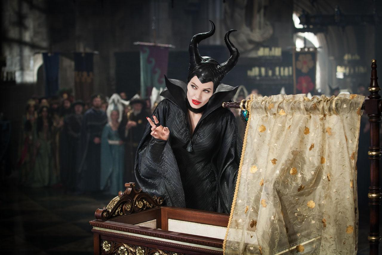 Maleficent-Official Poster Banner PROMO PHOTOS-14ABRIL2014-04