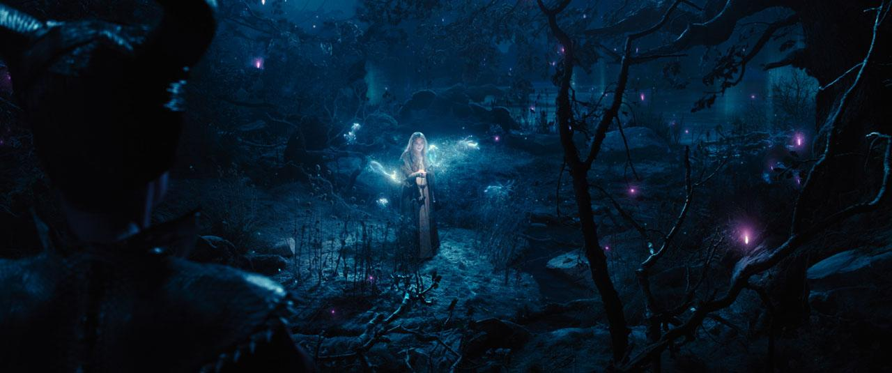 Maleficent-Official Poster Banner PROMO PHOTOS-14ABRIL2014-11