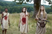 Hailee Steinfeld, Brit Marling e Muna Otaru na primeira IMAGEM de THE KEEPING ROOM