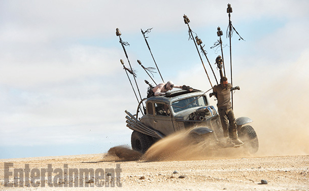 Mad Max Fury Road-Official Poster Banner PROMO EW-26JUNHO2014-04