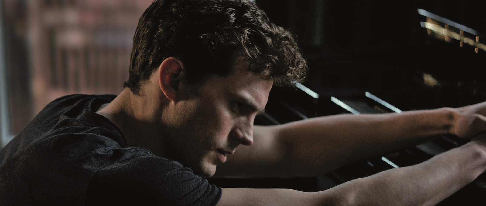 Fifty Shades of Grey-Official Poster Banner PROMO PHOTOS-28JULHO2014-03