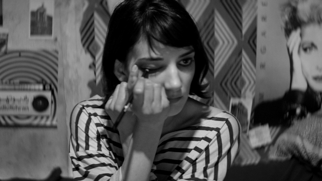 A GIRL WALKS HOME ALONE AT NIGHT-Official PROMO PHOTO-29OUTUBRO2014-02