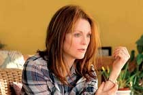 Julianne Moore no PÔSTER da adaptação STILL ALICE