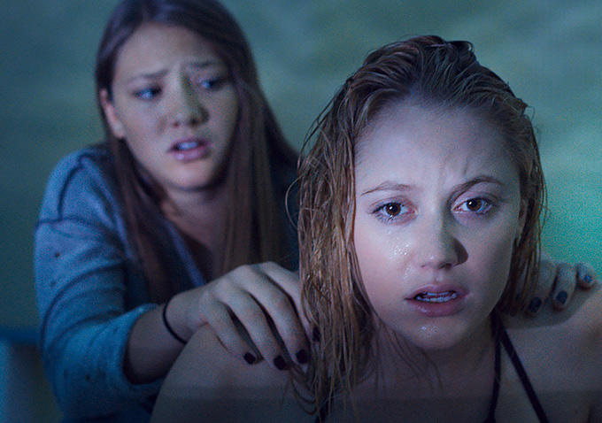 It Follows-Official PHOTO-08DEZEMBRO2014-01