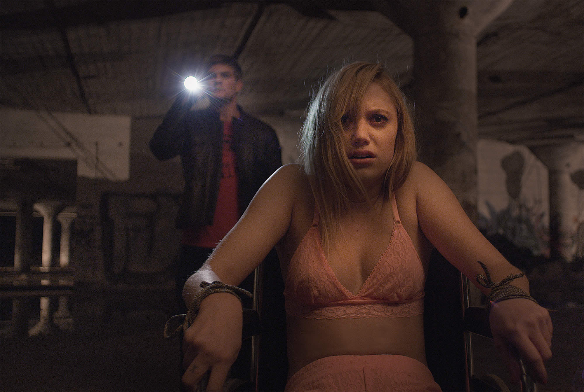 It Follows-Official PHOTO-08DEZEMBRO2014-03