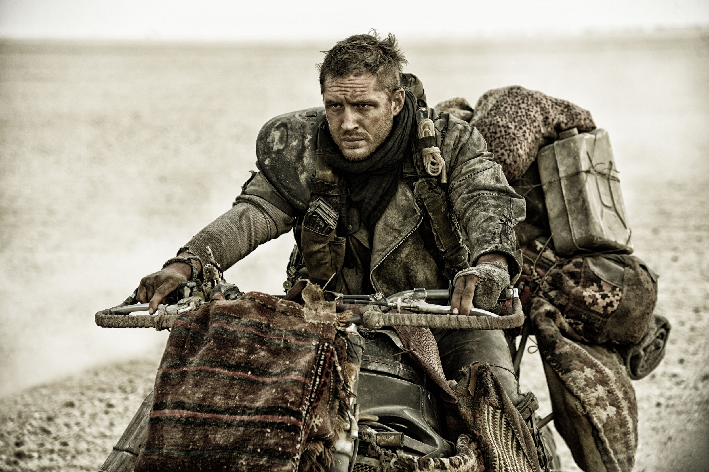 Mad Max Fury Road-Official Poster PHOTOS-11DEZEMBRO2014-01 - Copia