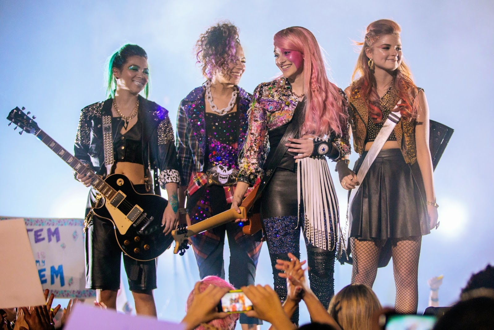 Jem and the Holograms-Photos-11Maio2015-01