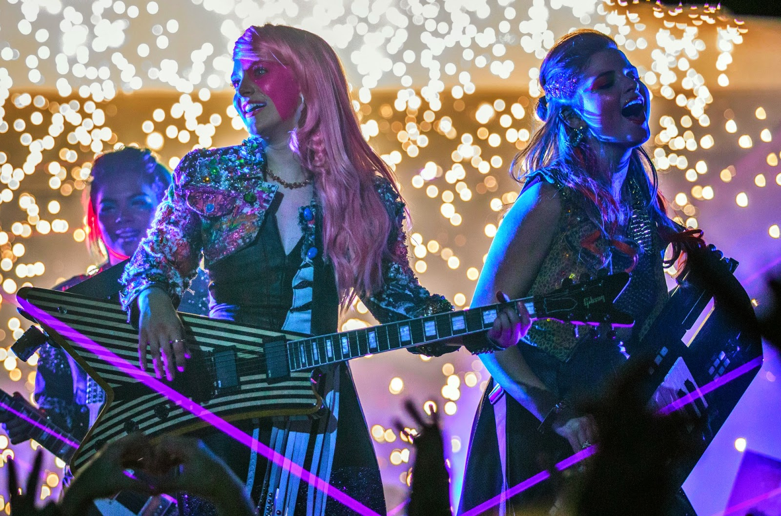 Jem and the Holograms-Photos-11Maio2015-02