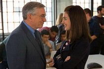 Comédia com Anne Hathaway e Robert De Niro, THE INTERN ganha seu TRAILER
