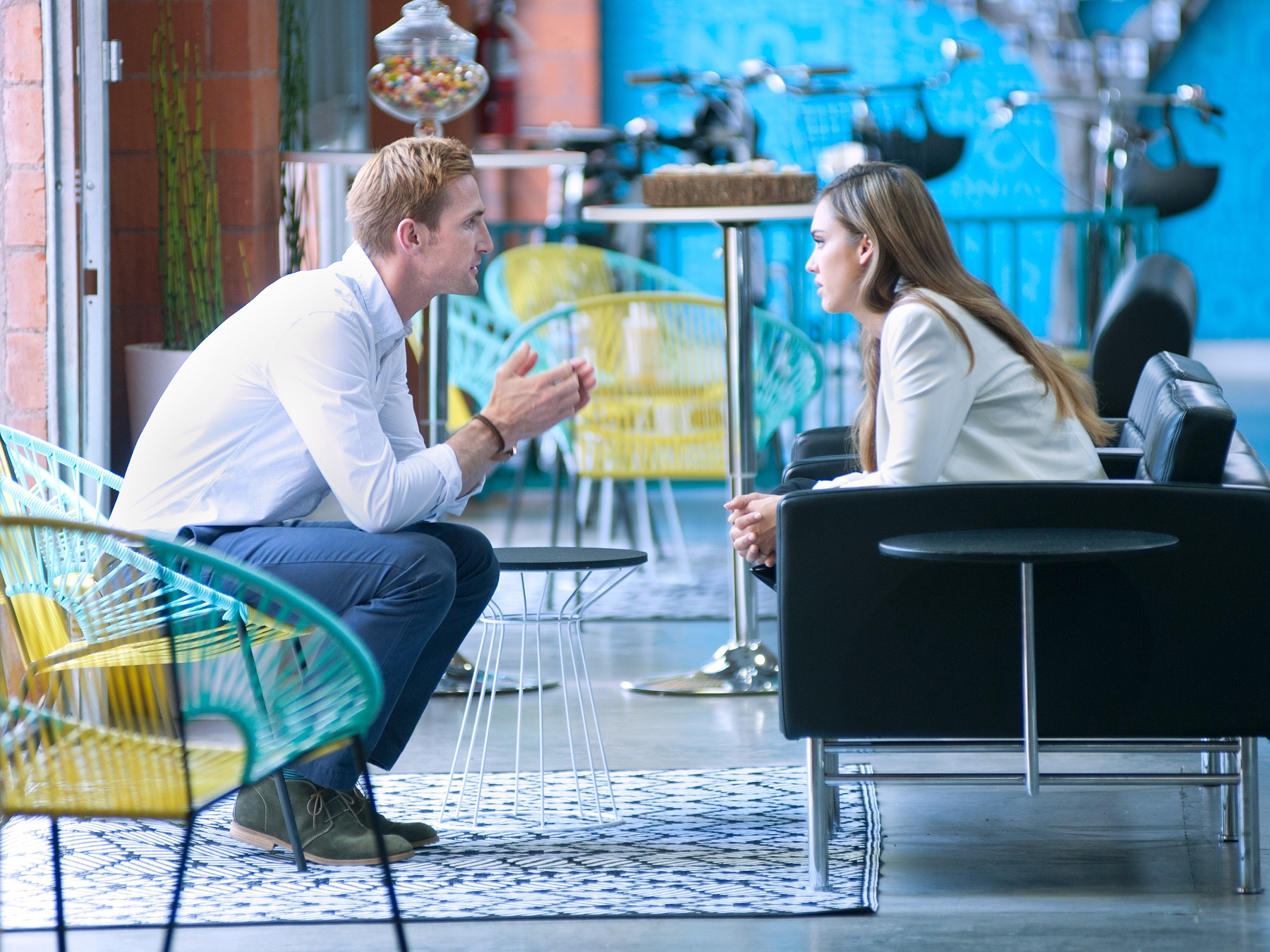 """Correspondent Jessica Alba speaks with Christopher Gavigan, founder of The Honest Company, from the segment """"Climate Corps."""" (Photo Credit: The Years Project/Courtesy of SHOWTIME)"""