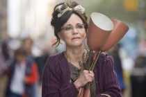 Assista ao TRAILER do drama HELLO, MY NAME IS DORIS, estrelado por Sally Field!