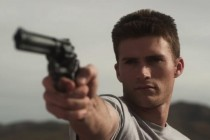 Scott Eastwood é policial em fuga no TRAILER de MERCURY PLAINS