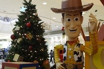 Toy Story divertirá o Natal do Shopping Tijuca
