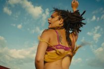 Shia LaBeouf & Sasha Lane estrelam TRAILER do filme AMERICAN HONEY
