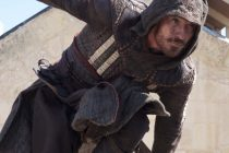 Michael Fassbender está pronto para a luta no inédito TRAILER de ASSASSIN'S CREED
