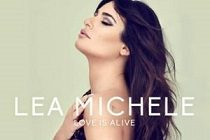 "Lea Michele lança a música inédita ""Love Is Alive"""