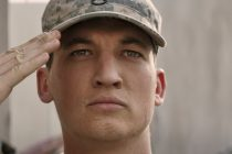 Miles Teller luta contra estresse pós-traumático no trailer de 'Thank You for Your Service'
