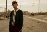 "Louis Tomlinson lança novo single ""Miss You"""